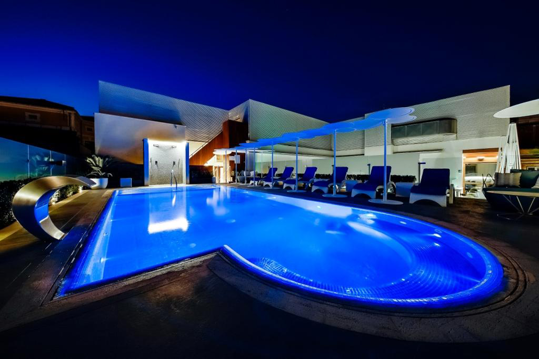 Rooftop_Pool_Night Time